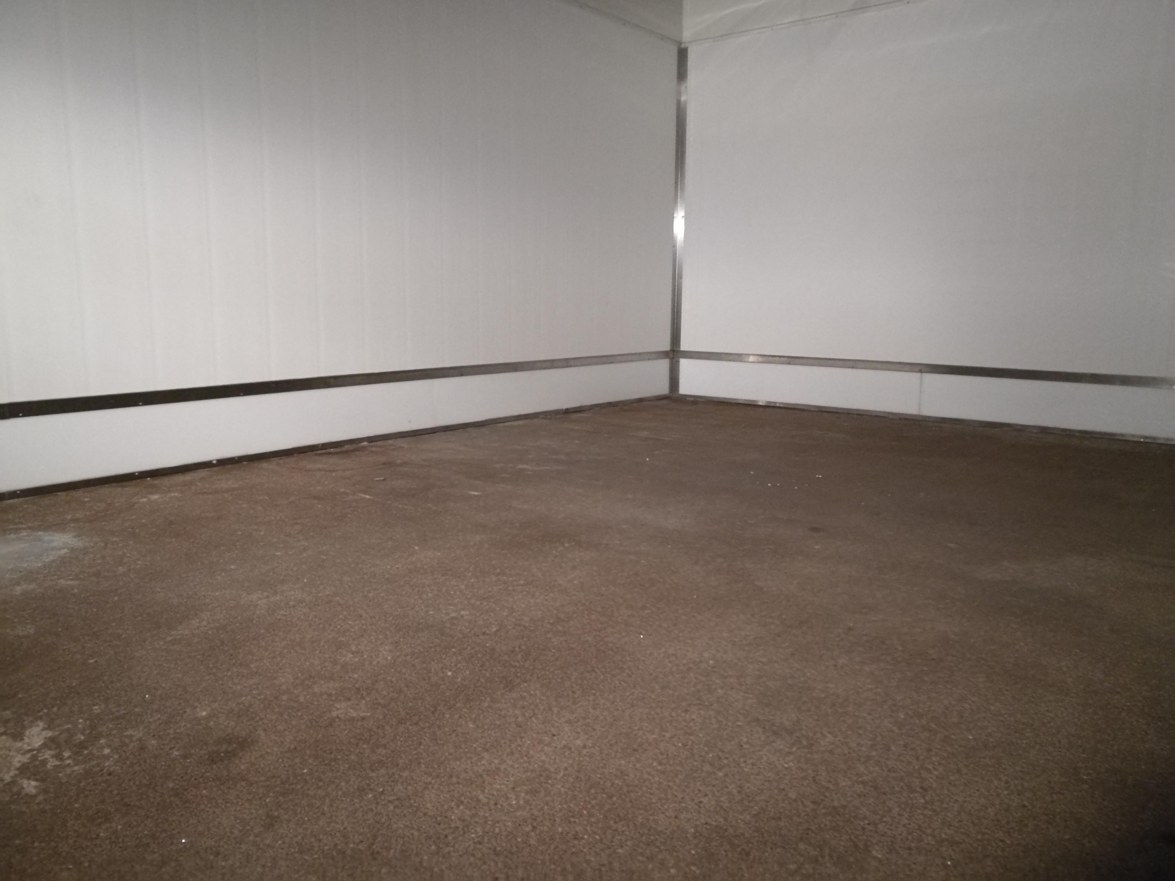 Granieten Vloer Badkamer : Authentieke granito vloer met een plusje marmer zwart blokje en